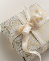 IOR-RSMA245CRE20_RIBBON_paired_Endless_Tides_cream_WRAP