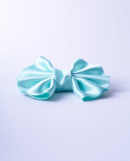 NSAA273VER50_Milky Green Satin Winged Bow n°273_L_IMPRESSION_ORIGINALE_sideview