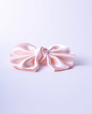 NSAA330ROS50_Blushing Rose Satin Winged Bow n°330_L_IMPRESSION_ORIGINALE_sideview